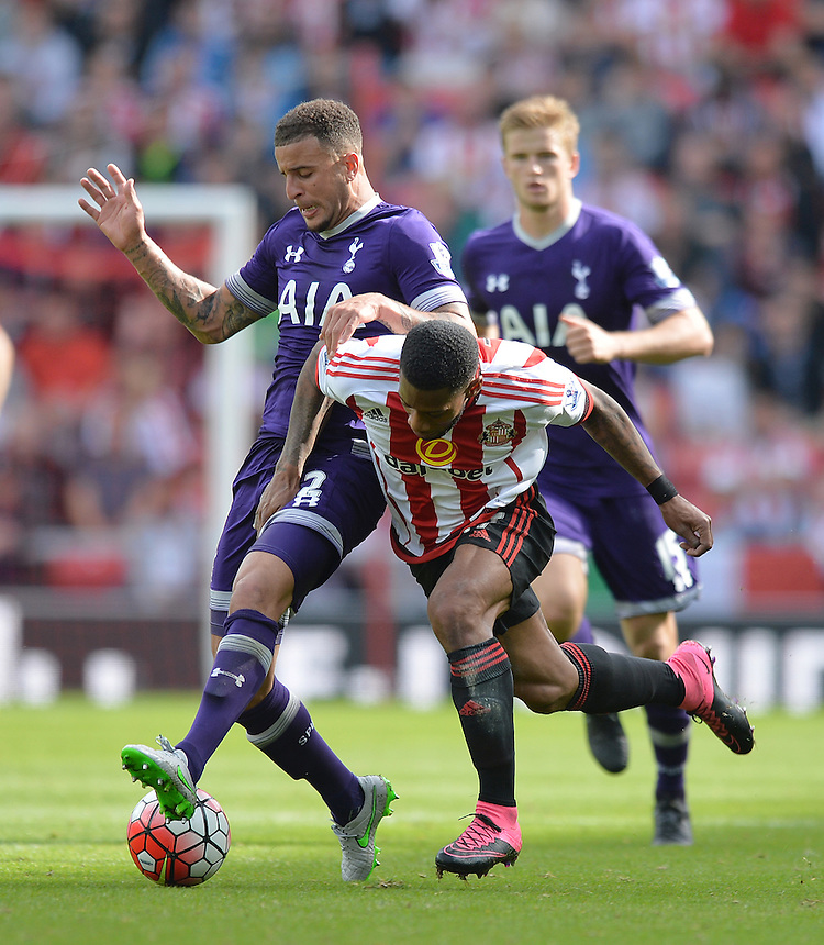 Sunderland's Jeremain Lens is tackled by Tottenham Hotspur's Kyle Walker<br /> <br /> Photographer Dave Howarth/CameraSport<br /> <br /> Football - Barclays Premiership - Sunderland v Tottenham Hotspur - Sunday 13th September 2015 - Stadium of Light - Sunderland<br /> <br /> &copy; CameraSport - 43 Linden Ave. Countesthorpe. Leicester. England. LE8 5PG - Tel: +44 (0) 116 277 4147 - admin@camerasport.com - www.camerasport.com