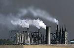 Poluição do ar por indústrias em São Paulo. 2007. Foto de Caetano Barreira.