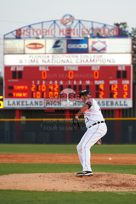 Lakeland Flying Tigers relief pitcher Jeff Thompson (33) delivers a warmup pitch during a game against the Tampa Yankees on April 7, 2016 at Henley Field in Lakeland, Florida.  Tampa defeated Lakeland 9-2.  (Mike Janes/Four Seam Images)