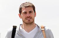 MADRID, ESPANHA, 21 MAIO 2012 - APRESENTACAO SELECAO ESPANHOLA - Goleiro Iker Cassillas durante chegada nessa terca-feira (21) a cidade de Las Rozas de Futebol, para concentracao da selecao espanhola para os amistosos contra as Seleçoes da Suíça, a Servia e Coreia do Sul.FOTO: ALEX CID-FUENTES - ALFAQUI - BRAZIL PHOTO PRESS
