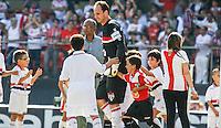 ATENCAO EDITOR IMAGEM EMBARGADA PARA VEICULOS INTERNACIONAIS - - SAO PAULO, SP, 18 NOVEMBRO 2012 - CAMP. BRASILEIRO - SAO PAULO X NAUTICO - Rogerio Ceni goleiro do Sao Paulo momentos antes da partida contra o Nautico valido pela 36 Rodada do Campeonato Brasileiro no Estadio Cicero Pompeu de Toledo neste domingo, 18. (FOTO: WILLIAM VOLCOV / BRAZIL PHOTO PRESS).