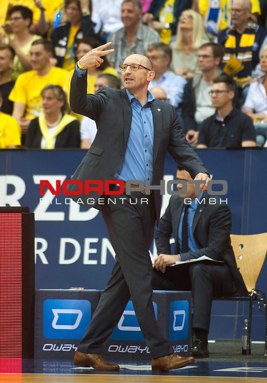 16.05.2017, EWE Arena, Oldenburg, GER, BBL, EWE Baskets Oldenburg vs medi Bayreuth, im Bild<br /> <br /> Mladen DRIJENCIC  (EWE Baskets Oldenburg #Headcoach )<br /> Foto &copy; nordphoto / Rojahn