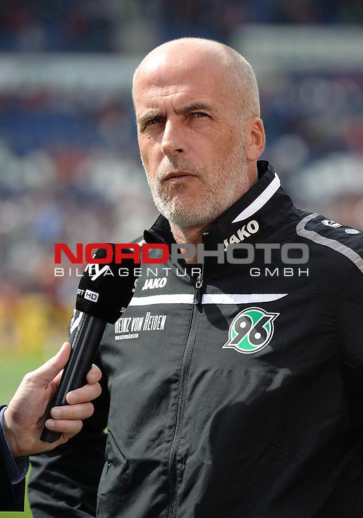 09.05.2015, HDI Arena, Hannover, GER, 1.FBL, Hannover 96 vs Werder Bremen, im Bild Michael Frontzeck (Trainer Hannover 96)<br /> <br /> Foto &copy; nordphoto / Frisch