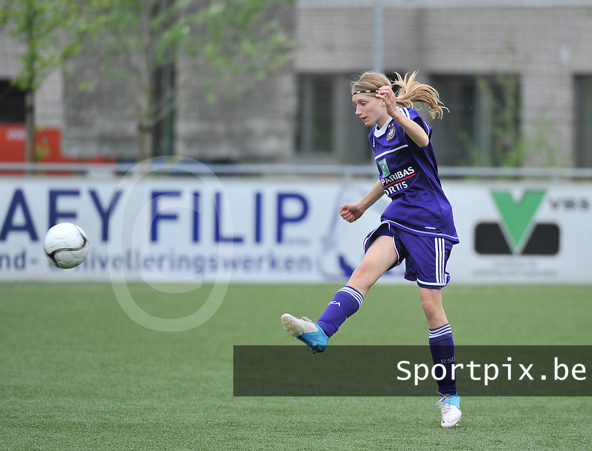 AA Gent Ladies U16 - RSC Anderlecht : Margo Anckaert.foto DAVID CATRY / Nikonpro.be