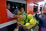 Estaçao de trem em Kalaw. Mianmar. 2007. Foto de Caio Vilela.