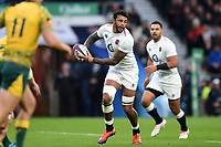 Courtney Lawes of England looks to pass the ball. Quilter International match between England and Australia on November 24, 2018 at Twickenham Stadium in London, England. Photo by: Patrick Khachfe / Onside Images