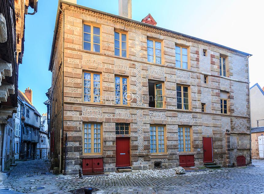 France, Allier (03), Moulins, maison et ruelle médiévale, rue des Orfèvres // France, Allier, Moulins, Orfevres street