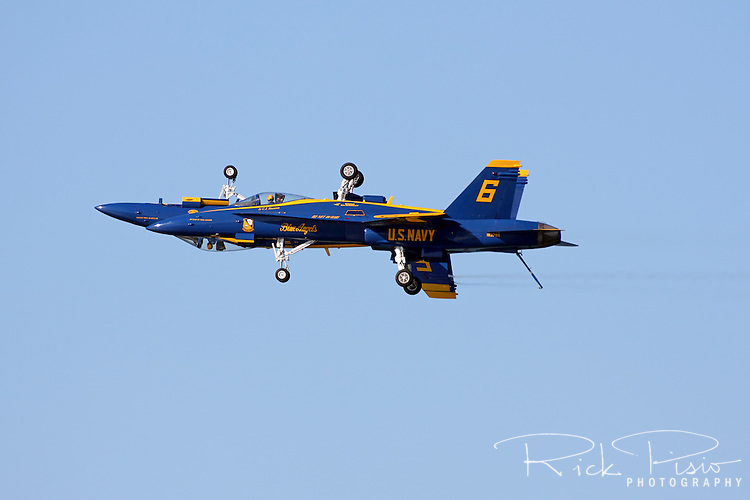 Blue Angel's solo pilots execute the mirror pass.