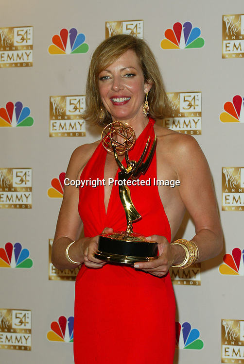 ©2002 KATHY HUTCHINS / HUTCHINS PHOTO.54TH ANNUAL EMMY AWARDS.LOS ANGELES, CA.SEPTEMBER 22, 2002..ALLISON JANNEY