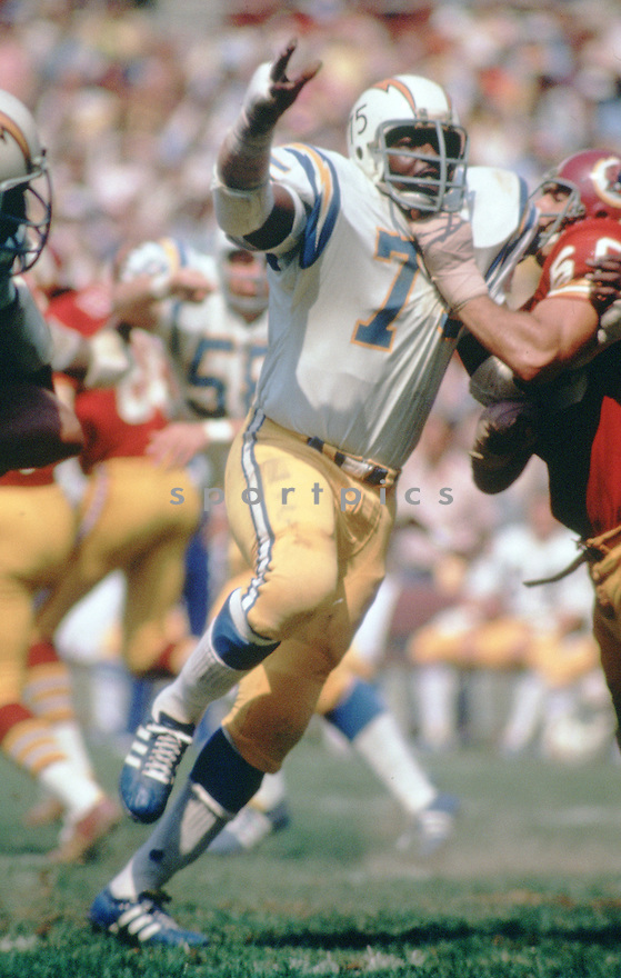 San Diego Chargers Deacon Jones (75) during a game from his career with the San Diego Chargers . Deacon Jones played for 14 years with 3 different teams , was a 8-time Pro Bowler and was inducted to the Pro Football Hall of Fame in 1980.(SportPics)
