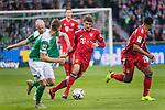 01.12.2018, Weser Stadion, Bremen, GER, 1.FBL, Werder Bremen vs FC Bayern Muenchen, <br /> <br /> DFL REGULATIONS PROHIBIT ANY USE OF PHOTOGRAPHS AS IMAGE SEQUENCES AND/OR QUASI-VIDEO.<br /> <br />  im Bild<br /> <br /> Davy Klaassen (Werder Bremen #30)<br /> Ludwig Augustinsson (Werder Bremen #05)<br /> Thomas M&uuml;ller / Mueller (FC Bayern Muenchen #25)<br /> Serge Gnabry (FC Bayern Muenchen #22)<br /> <br /> Foto &copy; nordphoto / Kokenge