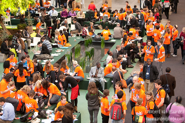 Youth in orange shirts swarm the UNFCCC. The voice of youth is growing and becoming heard at the UN. (Images free for Editorial Web usage for Fresh Air Participants during COP 15. Credit: Robert vanWaarden)