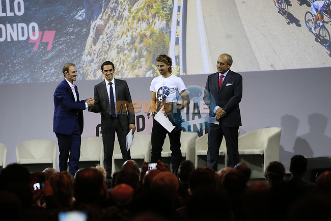 UCI leading points rider Alejandro Valverde (ESP), defending Giro Champion Alberto Contador (ESP), newly crowned World Champion Peter Sagan (SVK) and Andrea Monti, La Gazzetta dello Sport Editor-in-Chief, on stage at the Giro d'Italia 2016 Presentation held at Expo Milano, Milan, Italy. 5th October 2015.<br /> Picture: Eoin Clarke | Newsfile