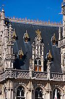 Rathaus aus dem 16. Jahrhundert am Grote Markt in Oudenaarde, Flandern, Belgien