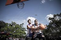 SÃO PAULO, SP - 20.07.2013: FINAL RED BULL KING OF THE ROCK - A final do Red Bull King of the Rock ocorre neste sábado (20) no Parque do Ibirapuera em São Paulo, hoje daqui sai o representante do Brasil para a etapa final mundial de basquete nos EUA na Ilha de Alcatraz.. (Foto: Marcelo Brammer/Brazil Photo Press)