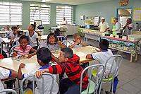 Refeitorio no Centro das Crianças e Adolescentes da Prefeitura de Sao Paulo. Sao Paulo. 2015. Foto de Marcia Minillo.
