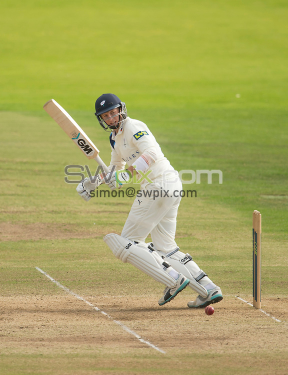 Picture by Allan McKenzie/SWpix.com - 26/09/2014 - Cricket - LV County Championship Div One - Yorkshire County Cricket Club v Somerset County Cricket Club - Headingley Cricket Ground, Leeds, England - Yorkshire's Joe Root plays the ball away.