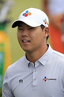 Si Woo Kim (KOR) walks to the 1st tee to start his match during Sunday's Final Round of the 117th U.S. Open Championship 2017 held at Erin Hills, Erin, Wisconsin, USA. 18th June 2017.<br /> Picture: Eoin Clarke | Golffile<br /> <br /> <br /> All photos usage must carry mandatory copyright credit (&copy; Golffile | Eoin Clarke)