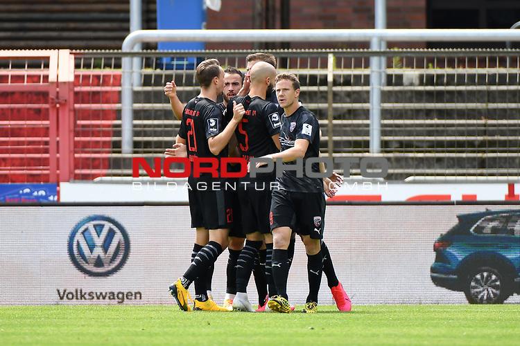 28.06.2020, Hänsch-Arena, Meppen, GER, 3.FBL, SV Meppen vs. FC Ingolstadt 04 <br /> <br /> im Bild<br /> Stefan Kutschke (FC Ingolstadt 04, 30) jubelt nach seinem Tor zum 0:1. Jubel, Freude, Emotion, Torjubel, Torschuetze, Torschütze.<br /> <br /> <br /> DFL REGULATIONS PROHIBIT ANY USE OF PHOTOGRAPHS AS IMAGE SEQUENCES AND/OR QUASI-VIDEO<br /> <br /> Foto © nordphoto / Paetzel