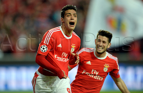 13.04.2016. Lisbon, Portugal.  Benifica's Raul Jimenez (L) celebrates after scoring the first goal during the UEFA Champions League quarterfinal second leg soccer match between SL Benfica and FC Bayern Munich at Luz Stadium in Lisbon, Portugal, 13 April 2016.