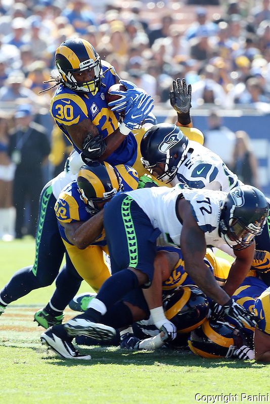 Los Angeles Rams RB Todd Gurley #30 during an NFL football game between the Seattle Seahawks and the Los Angeles Rams, Sunday, Sept. 18, 2016, in Los Angeles, Calif. (Photo by Michael Zito/Panini)