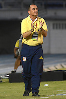 BARRANQUIILLA -COLOMBIA-16-08-2014. Jaime de la Pava técnico de Uniauntónoma reacciona durante partido con La Equidad por la fecha 5 de la Liga Postobón II 2014 jugado en el estadio Metropolitano de la ciudad de Barranquilla./ Uniautonoma coach Jaime de la Pava reacts during the match against La Equidad for the 5th date of the Postobon League II 2014 played at Metropolitano stadium in Barranquilla city.  Photo: VizzorImage/Alfonso Cervantes/STR