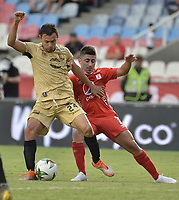 CALI - COLOMBIA, 17-08-2019: Matias Pisano del América disputa el balón con Mauricio Restrepo de Rionegro durante partido por la fecha 6 de la Liga Águila II 2019 entre América de Cali y Rionegro Águilas jugado en el estadio Pascual Guerrero de la ciudad de Cali. / Matias Pisano of America struggles the ball with Mauricio Restrepo of Rionegro during match for the date 6 as part of Aguila League II 2019 between America de Cali and Rionegro Aguilas played at Pascual Guerrero stadium in Cali. Photo: VizzorImage / Gabriel Aponte / Staff