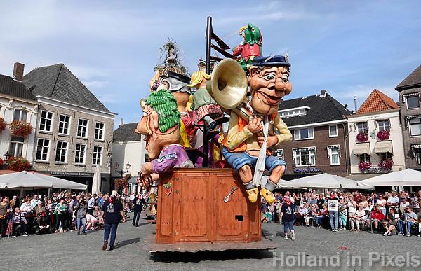 Nederland - Bergen op Zoom - 16 september 2018.  Op zondag 16 september 2018 vindt in Bergen op Zoom de Brabant Stoet plaats. Dit is een grootst opgezet festival van de lopende cultuur. Deze vorm van cultuur is kenmerkend voor Brabant. In de Brabant Stoet zijn zo'n honderd vormen van lopende (en rijdende) cultuur te zien zoals gilden, fanfares, reuzen, carnavalwagens en ommegangen. De Brabant Stoet wordt samengesteld met groepen uit zowel Noord-Brabant als Vlaams- en Waals-Brabant.   Foto Berlinda van Dam / Hollandse Hoogte