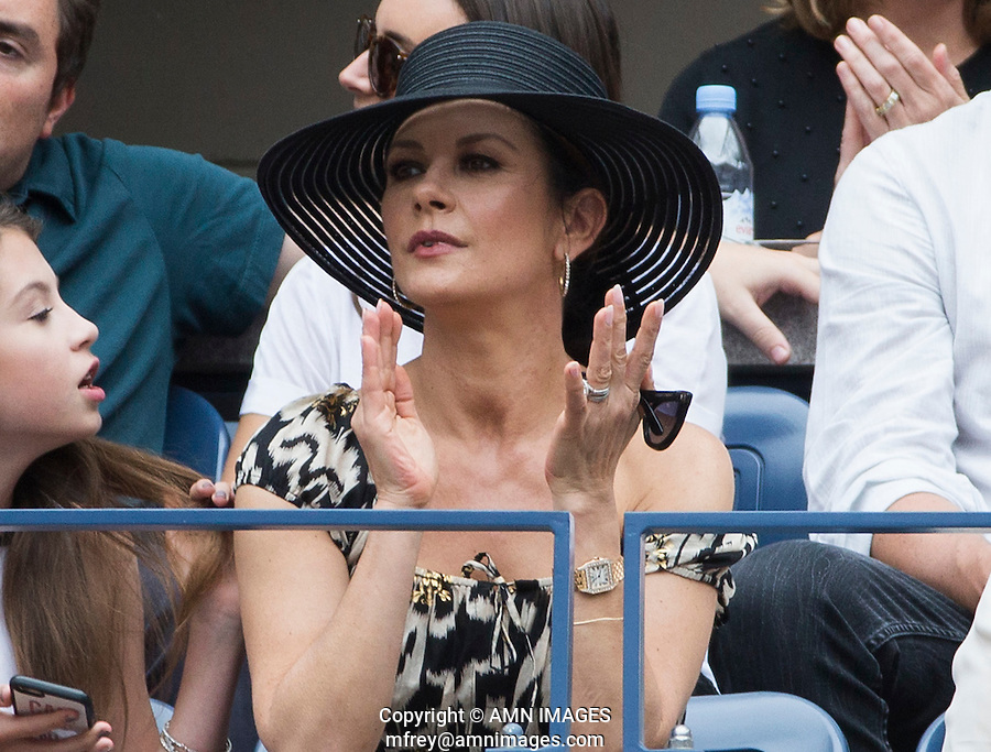 CATHERINE-ZETA JONES<br /> <br /> <br /> The US Open Tennis Championships 2015 - USTA Billie Jean King National Tennis Centre -  Flushing - New York - USA -   ATP - ITF -WTA  2015  - Grand Slam - USA  <br /> <br /> &copy; AMN IMAGES