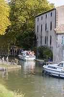 France, Aude (11), Castelnaudary, l' écluse Saint-Roch et le Canal du Midi, Patrimoine de l'humanité de l'UNESCO //France, Aude, Castelnaudary, Saint Roch lock and Canal du Midi, World Heritage Site by UNESCO