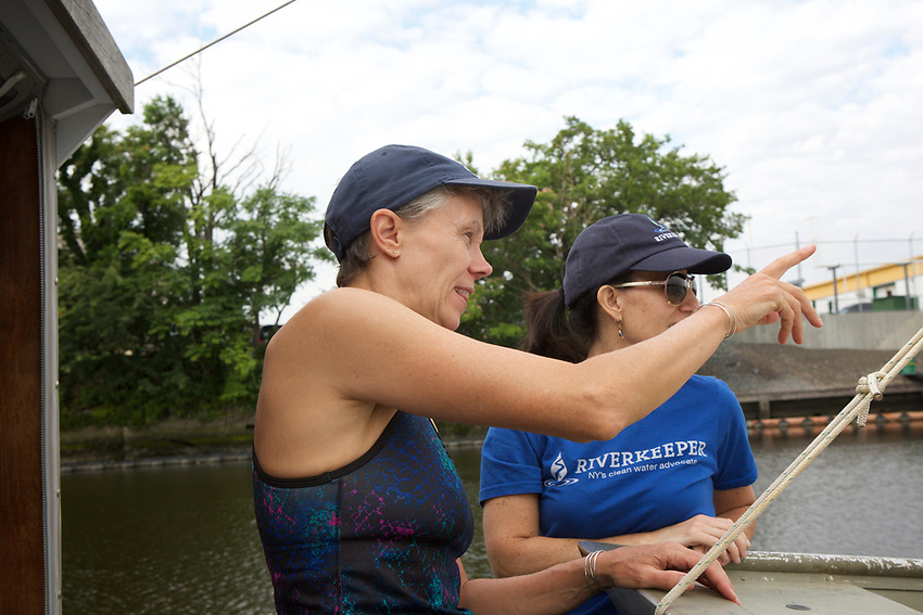 Queens, NY - July 10, 2017:  On a site survey of Newtown Creek with Riverkeepers, checking for pollution in the waterway.<br /><br />Credit: Clay Williams for Edible Queens.