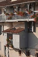 Europe/France/Aquitaine/64/Pyrénées-Atlantiques/Pays-Basque/Saint-Jean-Pied-de-Port: Détail  vieilles maisons  sur la Nive de Béhérobie