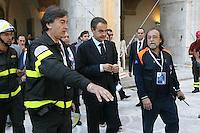 L'Aquila: José Luis Zapatero visita le macerie del terremoto