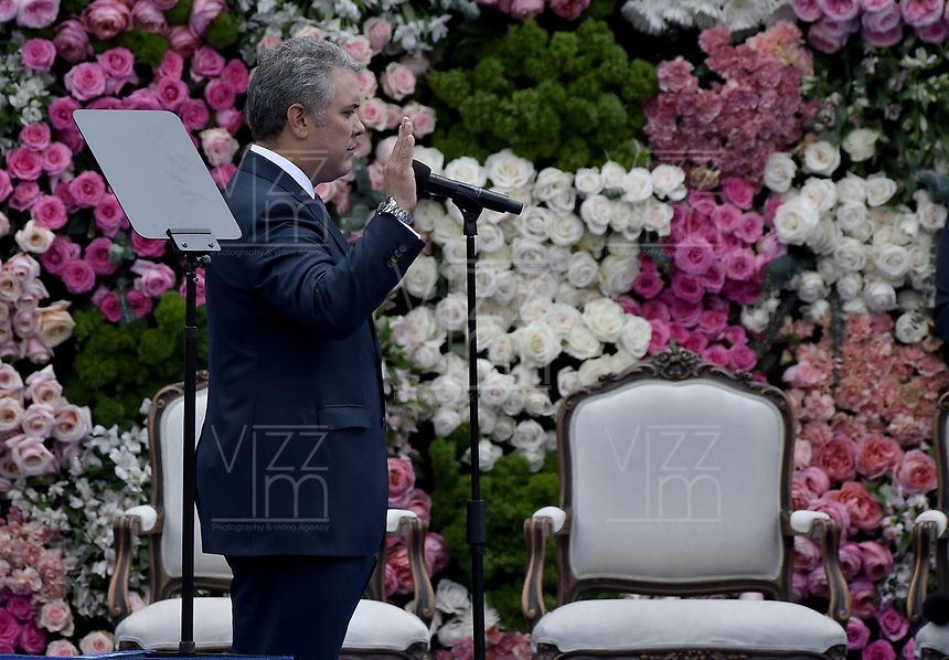 BOGOTÁ - COLOMBIA, 07-08-2018: Ivan Duque, presidente electo de Colombia, hace el juramento para tomar posesión como presidente para el período constitucional 2018 - 22 durante ceremonia en la Plaza Bolívar el 7 de agosto de 2018 en Bogotá, Colombia. / Ivan Duque, elected president of Colombia, makes swearing to takes office to constitutional term as president 2018 - 22 at Plaza Bolivar on August 7, 2018 in Bogota, Colombia. Photo: VizzorImage/ Gabriel Aponte / Staff