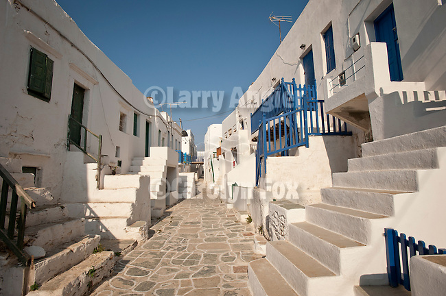 Narrow street inside the twelfth-century Castro (castle), Chora, Folegandros, Cyclades, Greece