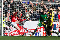 Burton Albion v Barnsley 16.4.16 .Sky Bet League 1 ....... Barnsleys Sam Winnall trys to score in the last minute
