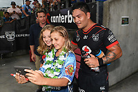 Issac Luke poses for a  selfie.<br /> NRL Premiership. Vodafone Warriors v Gold Coast Titans. Mt Smart Stadium, Auckland, New Zealand. March 17 2018. &copy; Copyright photo: Andrew Cornaga / www.Photosport.nz