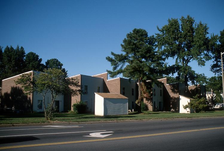 1996 September 23..Assisted Housing..Oakmont North...Existing conditions from Johnston's Road...NEG#.NRHA#..HOUSING:OAKMONT1  4:14