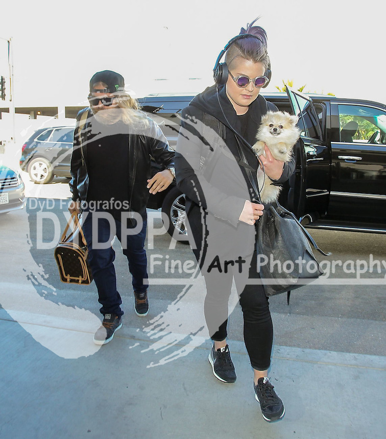 **ALL ROUND PICTURES FROM SOLARPIX.COM**<br /> **SOLARPIX RIGHTS - UK, AUSTRALIA, DENMARK, PORTUGAL, S. AFRICA, SPAIN &amp; DUBAI (U.A.E) &amp; ASIA (EXCLUDING JAPAN) ONLY**<br /> Kelly Osbourne Sighted in Los Angeles on October 29, 2015 - Street - Los Angeles, CA, USA <br /> This pic:   Kelly Osbourne<br /> **STRICTLY NO ONLINE USAGE WITHOUT PRIOR AGREEMENT**<br /> JOB REF: 18757  PHZ  DATE:  29.10.15<br /> **MUST CREDIT SOLARPIX.COM AS CONDITION OF PUBLICATION**<br /> **CALL US ON: +34 952 811 768**
