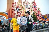 NEW YORK, EUA, 17.06.2017 - SEREIA-DESFILE - Participantes durante a Parada da Sereia em Coney Island no Brooklyn nos Estados Unidos neste sábado, 17. (Foto: William Volcov/Brazil Photo Press)