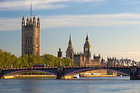 Great Britain, England, London: Lambeth Bridge and Houses of Parliament on River Thames | Grossbritannien, England, London: Blick ueber die Themse und Lambeth Bridge zu den Houses of Parliament