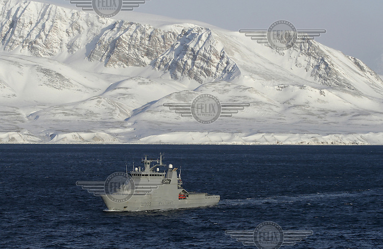 Coastguard vessel KV Svalbard patrols the northermost waters of Norway, including around the islands that she is named after. The main task is inspecting fishing boats, but she also performs search and rescue missions, and environmental monitoring. © Fredrik Naumann