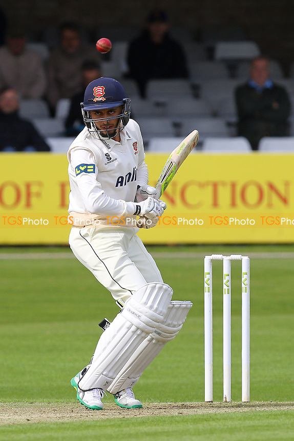 Aron Nijjar in batting action on first class debut for Essex - Essex CCC vs Leicestershire CCC - LV County Championship Division Two Cricket at the Essex County Ground, Chelmsford, Essex - 31/05/15 - MANDATORY CREDIT: Gavin Ellis/TGSPHOTO - Self billing applies where appropriate - contact@tgsphoto.co.uk - NO UNPAID USE