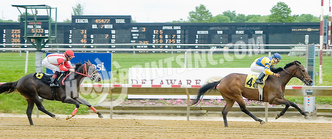 Silver Applause winning at Delaware Park on 5/21/12