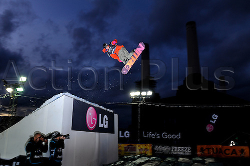 29.10.2011 London, England. Gjermund BRAATEN (NOR) in action during the Final of the LG Snowboard FIS World Cup 2012 Men's Big Air at the Relentless Energy Drink Freeze Festival at Battersea Power Station. Mandatory credit: ActionPlus