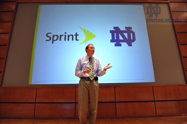 Sprint CEO Dan Hesse speaks at Boardroom Insights, Sept. 3, 2009...Photo by Matt Cashore/University of Notre Dame