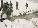 Iraq 1980 <br /> Mullazem Omar crossing a river in winter near Nawzeng <br /> Irak 1980<br /> Mullazem Omar traversant une riviere en hiver pres de Nawzeng