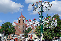 Rathausmarkt, Peter und Paul-Kathedrale in Kaunas, Litauen, Europa