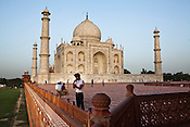 The 17th century Mughal-built Taj Mahal mausoleum in Agra, Uttar Pradesh in India. Photo: Sanjit Das/Panos pour Le Point