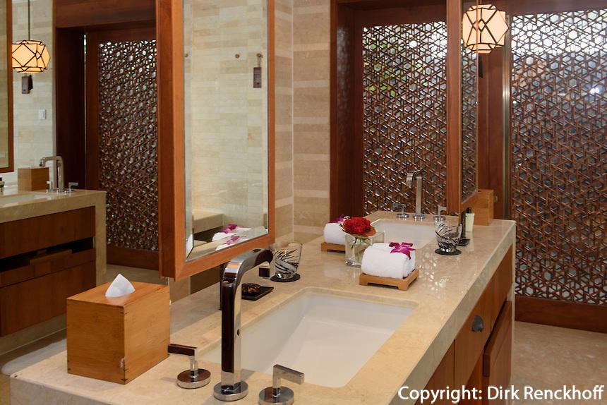 Badezimmer des Mandarin Oriental Hotel in Sanya auf der Insel Hainan, China<br /> bathroom of Mandarin Oriental Hotel in Sanya, Hainan island, China